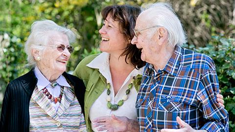 Die Caritas Salzburg bietet Schulungen für Angehörige von Demenzpatienten an