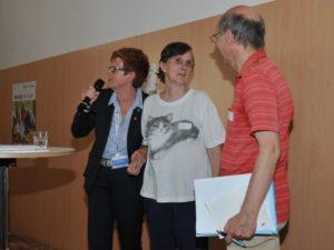 : Expertin Helga Rohra bat die Betroffenen Manfred und Karin Fischer auf die Bühne
