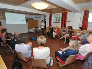 """: Seniorenheim Hellbrunn-Bereichsleiter Bernhard Kracher stellte in seiner Session das Konzept """"Hausgemeinschaften"""" vor"""